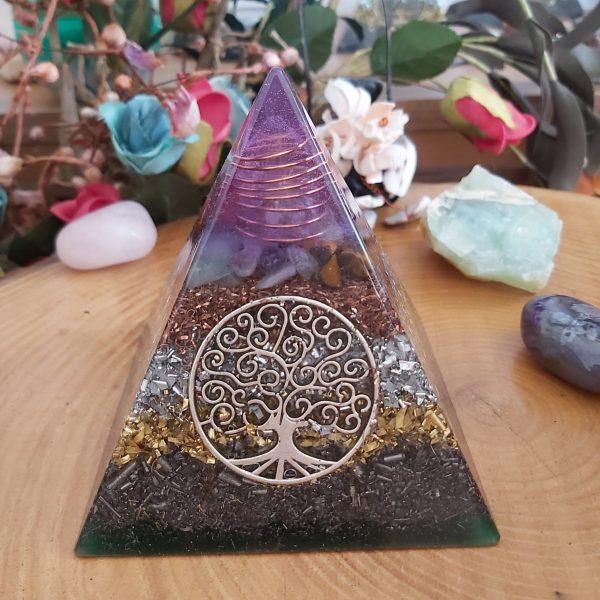Orgonit piramit Hayat ağacı mor-yeşil 7 çakra taşlı ve Ganslı